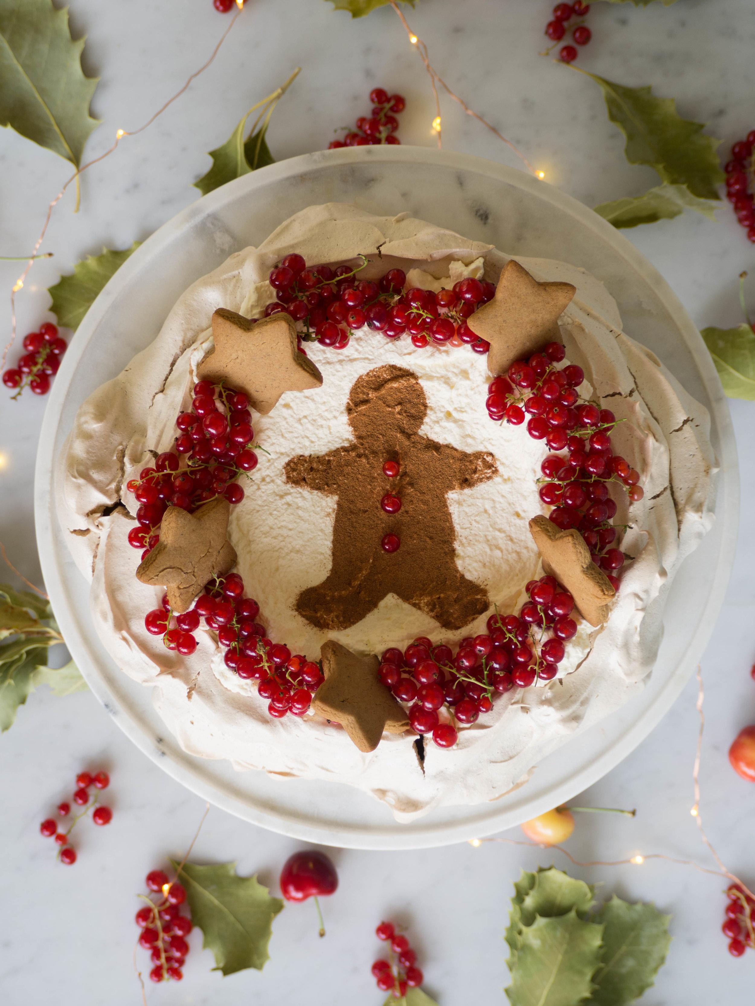 Gingerbread Pavlova