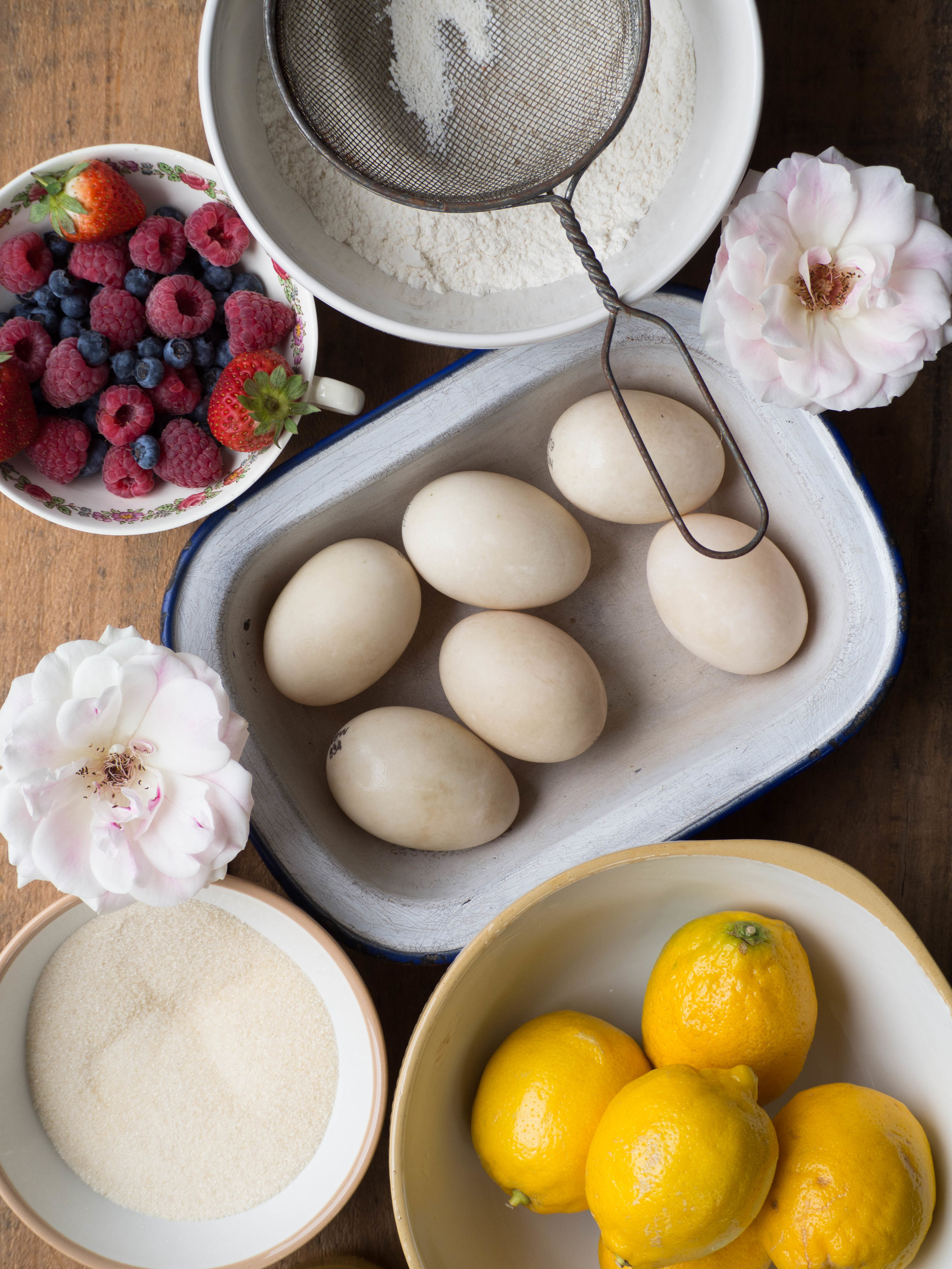 Using Duck Eggs to Make the Chiffon Cake