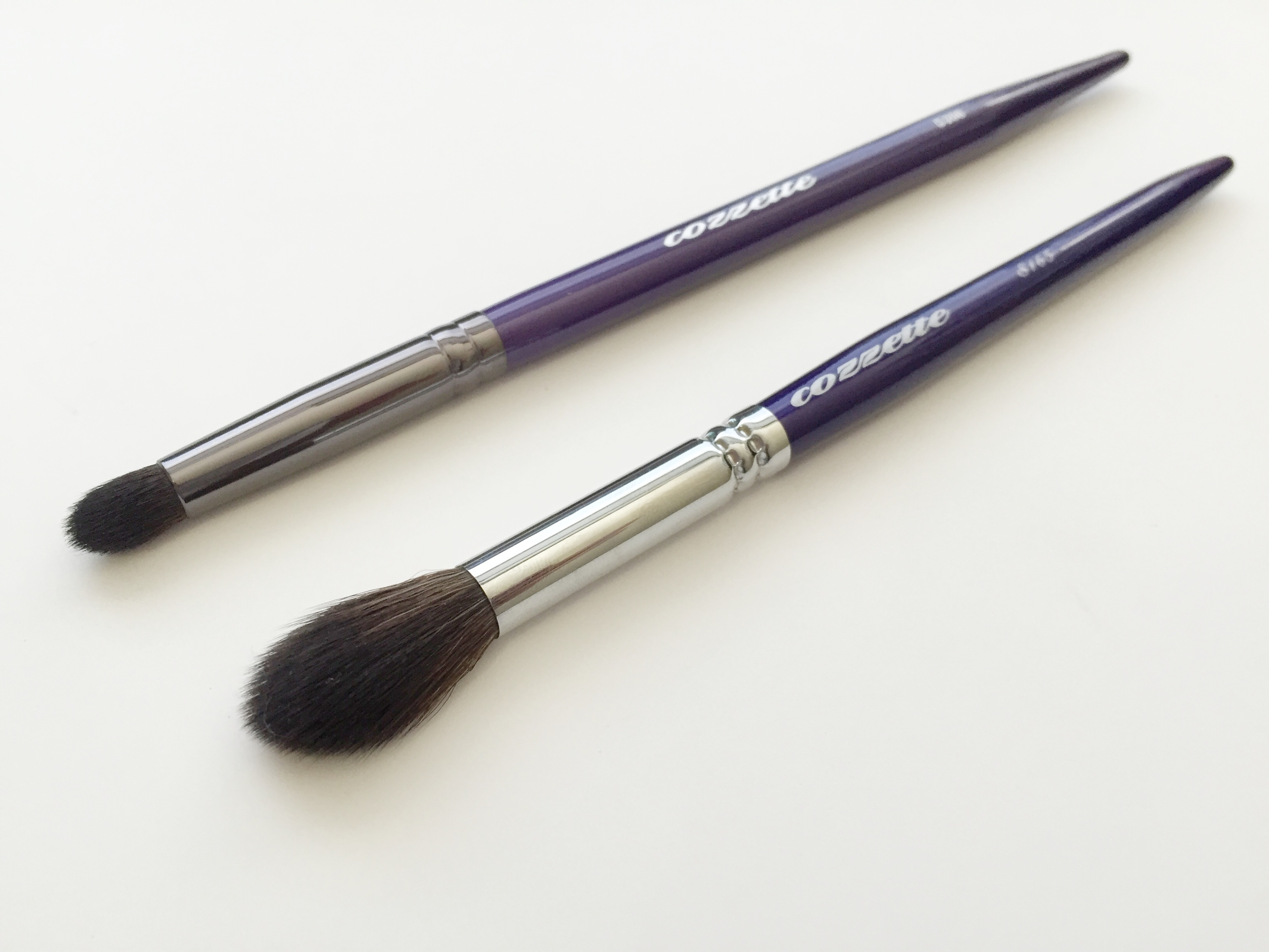 Top: D200 Bullet Brush |  Bottom: S165 Large Eye Contour Brush