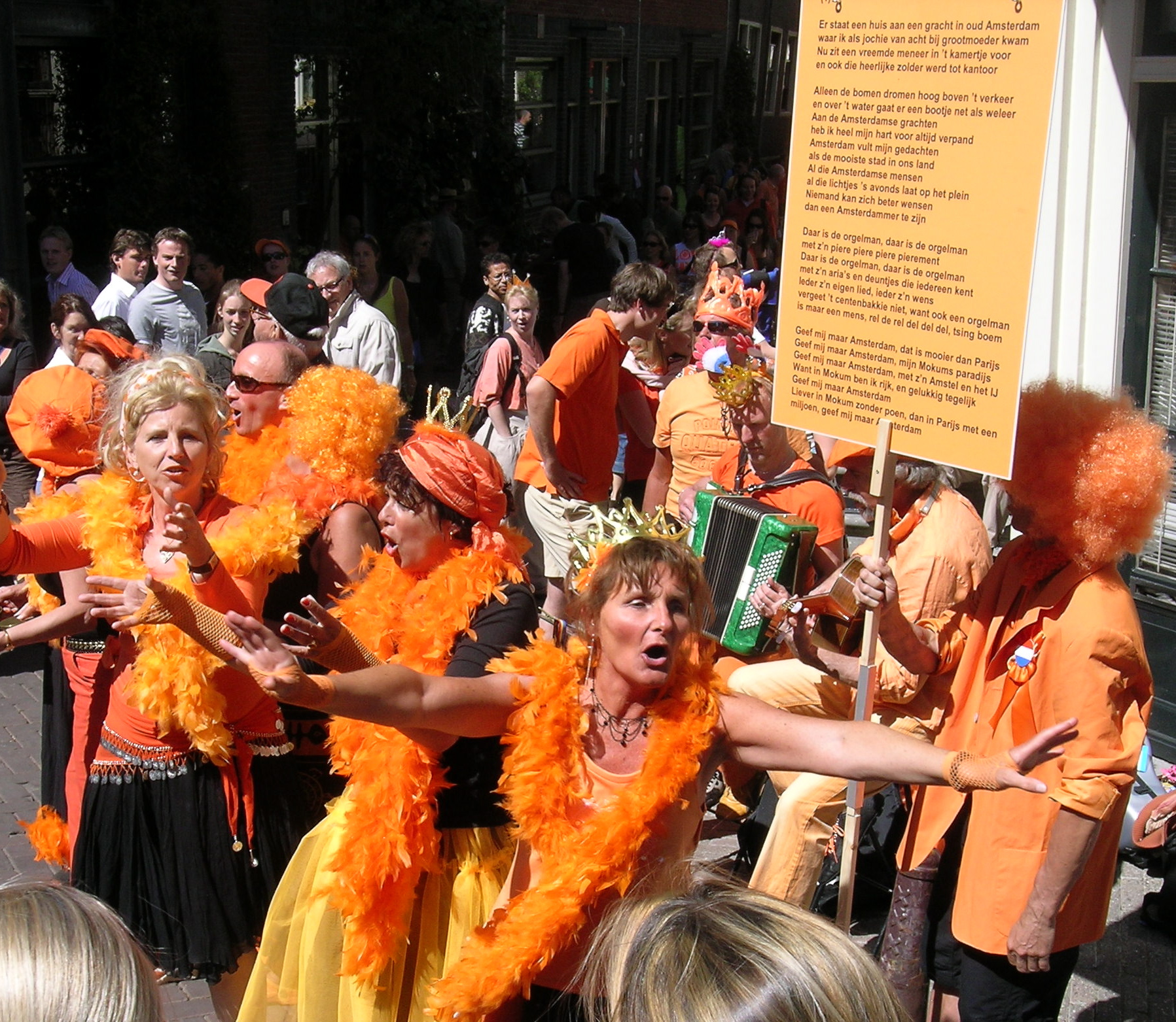 The orange Afro is my favorite expression of Dutch pride.