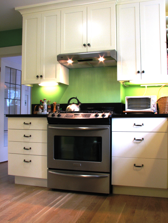 10Lake Union kitchen.jpg