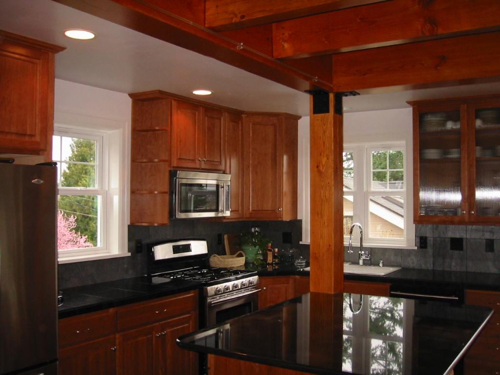 15Greenlake Kitchen.jpg