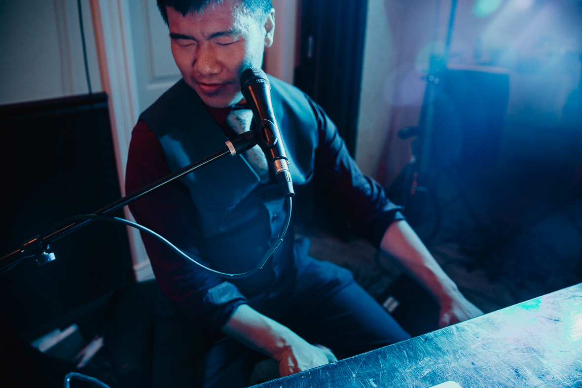 wedding piano player.jpg