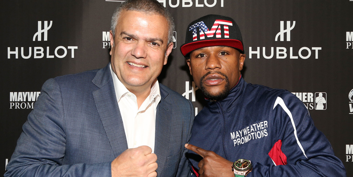 Mr Ricardo Guadalupe, CEO of Hublot,  presenting Mr Floyd Mayweather with the Hublot King Power WBC Full Pave.