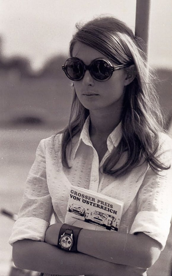 Nina rindt wearing her universal geneve compax.