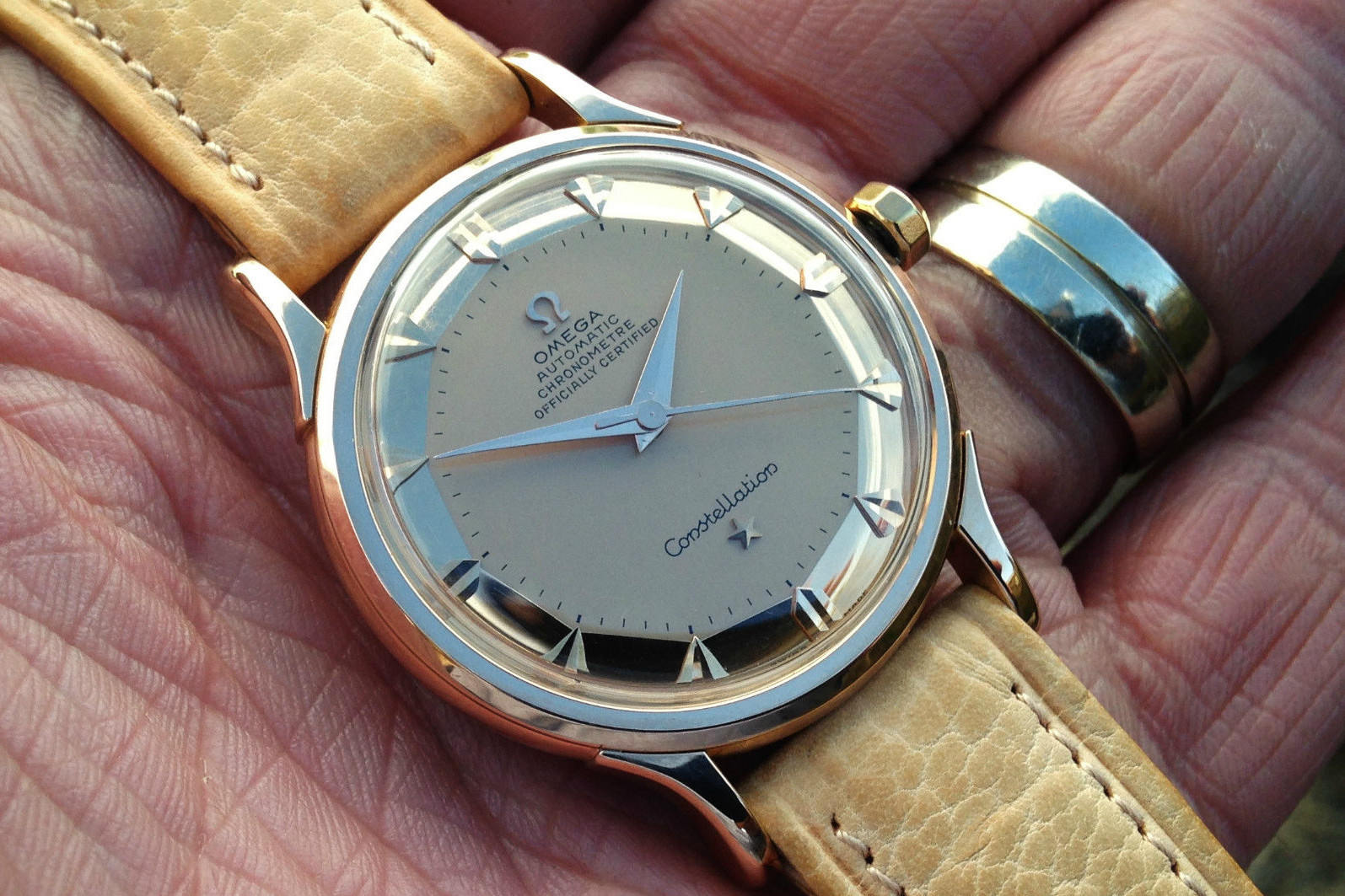 The Omega Cnstellation Ref. 2700SC. Photo via   English   auctions     .