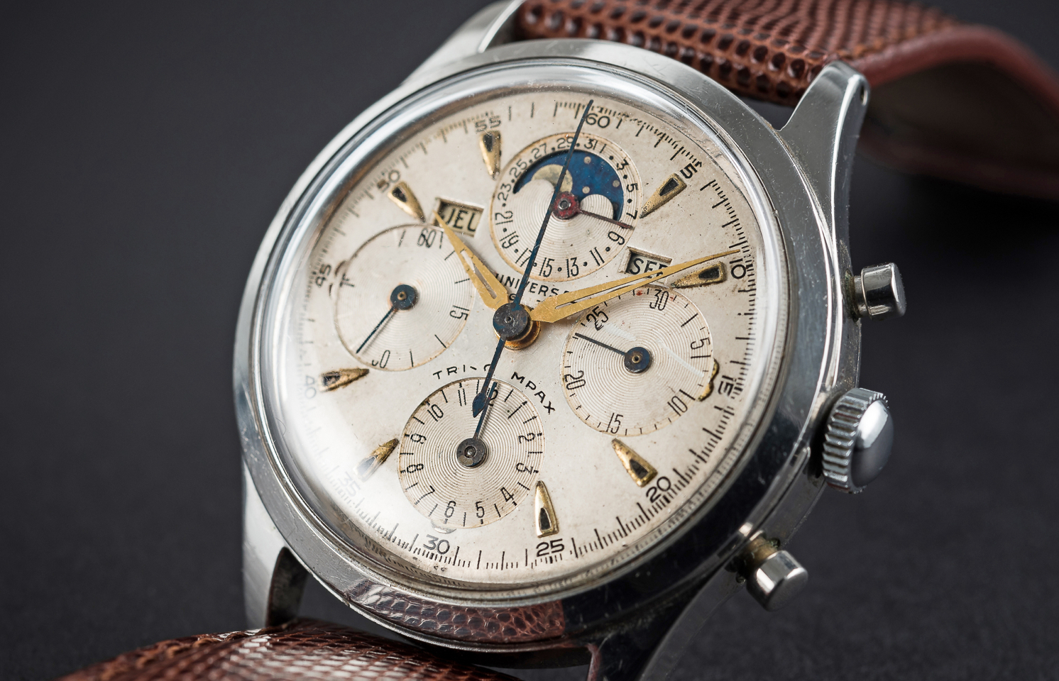 Universal Geneve Tri-Compax Ref. 22297/2 . Photo courtesy of Watches of Knightsbridge