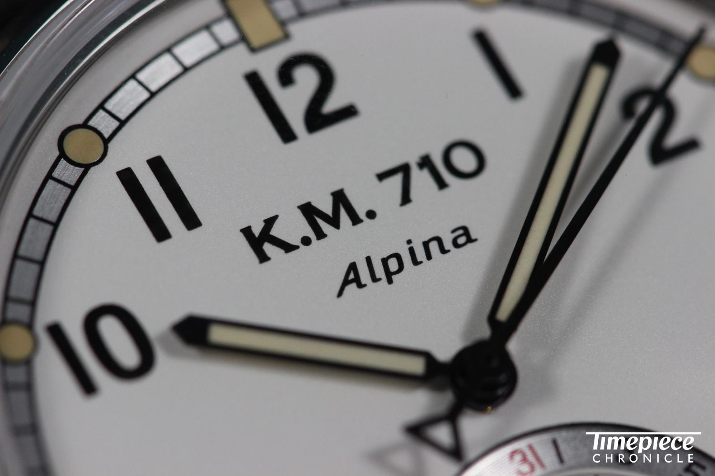 Alpina KM710 dial macro 2.JPG