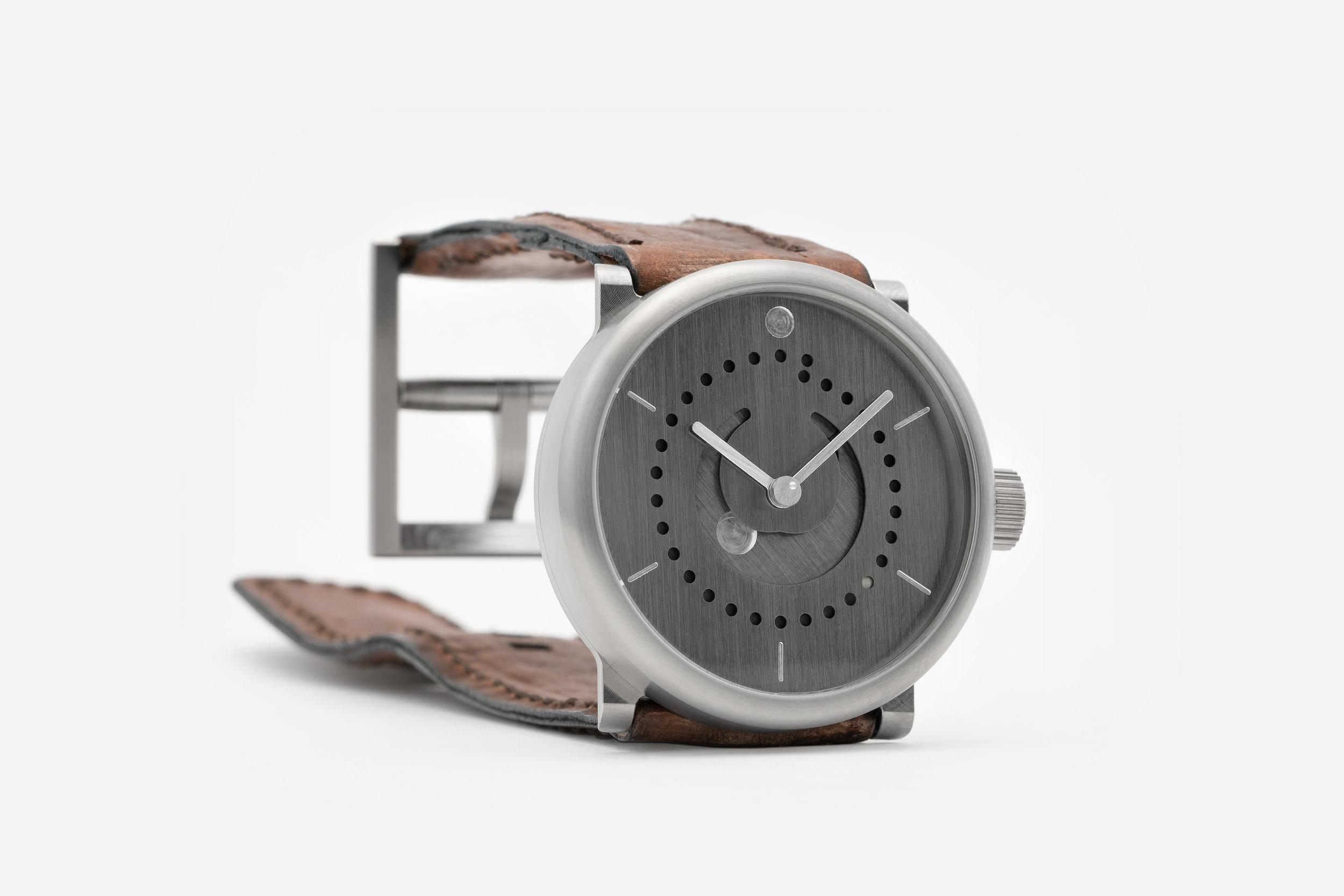 moon-phase-watch-german-silver-39mm-ochs-und-junior-24-Feb-2017-0798_RGB.jpg