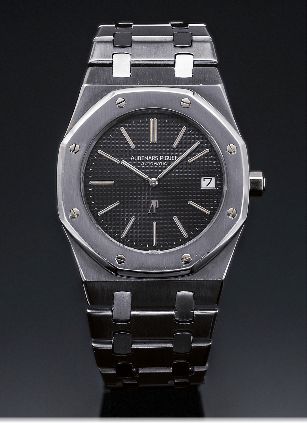 The Audemars Piguet Royal Oak. Photo Courtesy of Antiqourum.