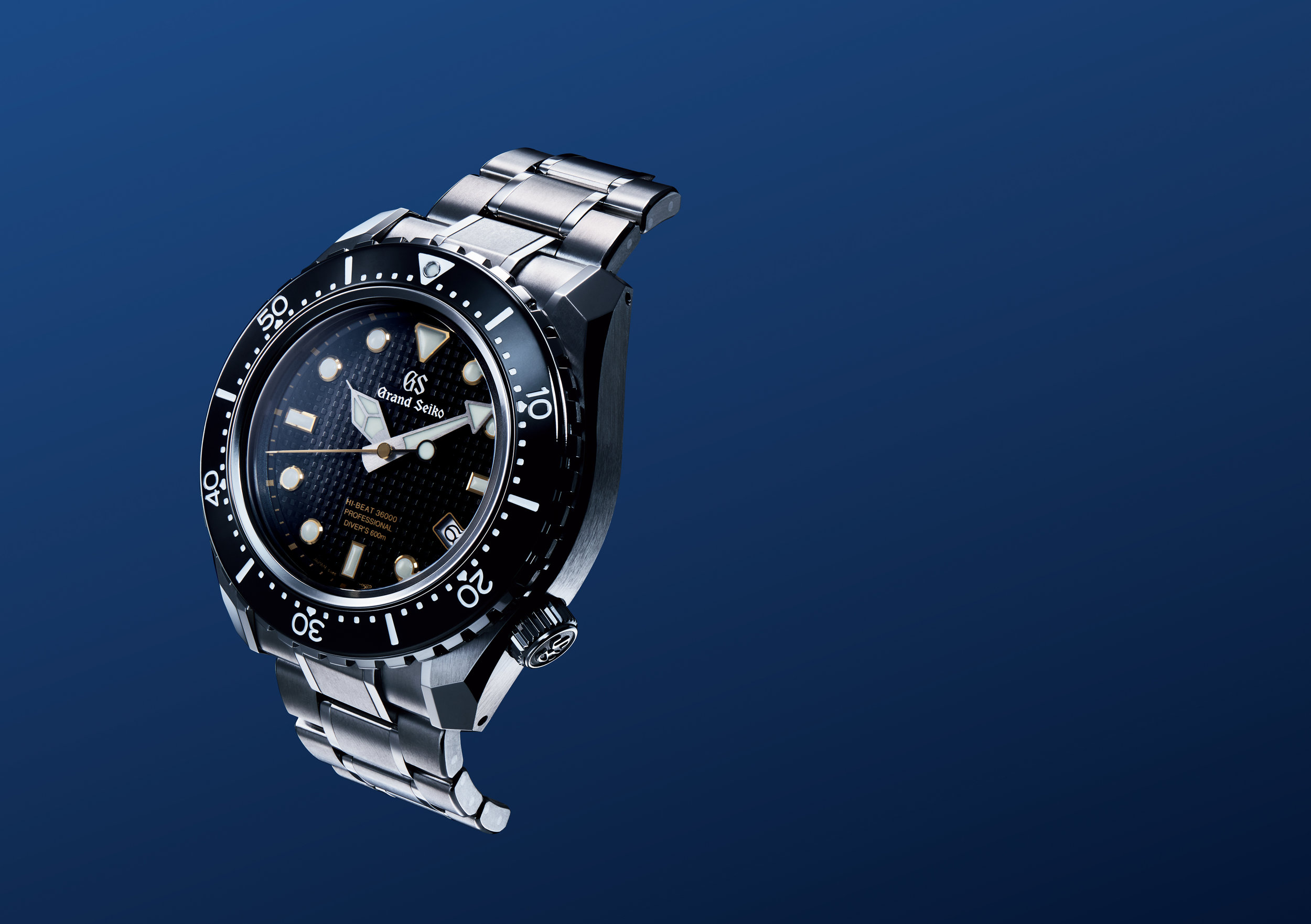 It is worth pointing out that there are several Grand Seiko sports watches including several divers watches and chronographs. These are worthy additions to the Grand Seiko name however my focus for this article is the dress watches. Maybe a future article will take a look at these modern sports Grand Seikos, but not today.