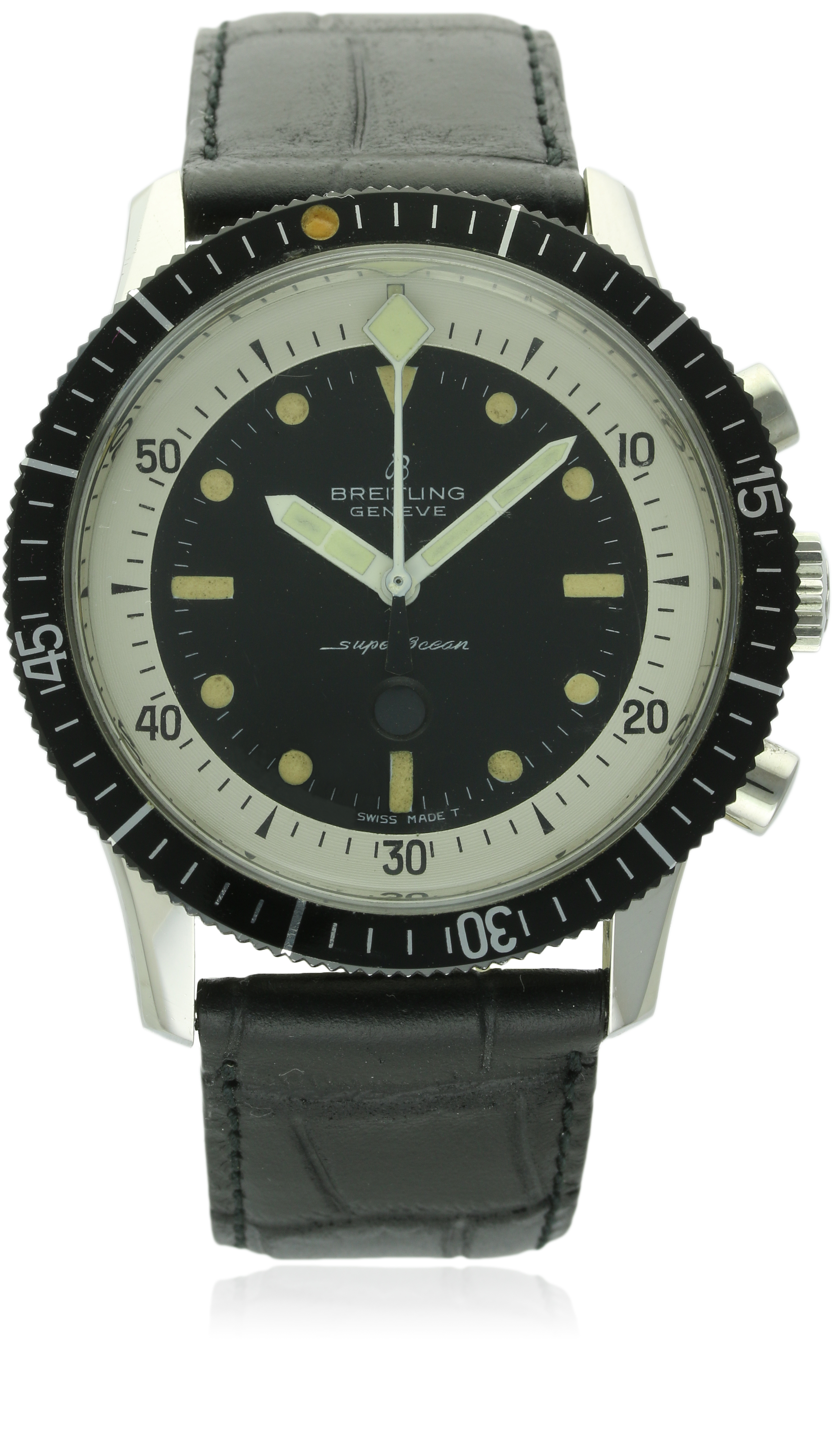 Am I the only one who wants tonudge that bezel slightly to the right? Photo courtesy of Watches of Knightsbridge