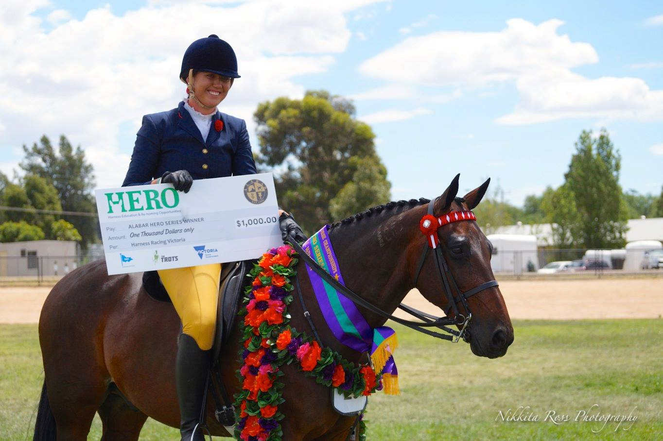 Eboni Knights and Equity Wizzbang take home $1000 and the title of Winner of the HERO Final