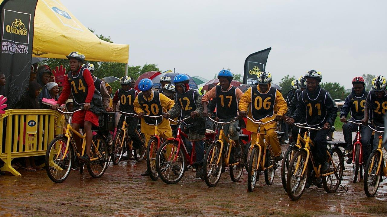 Qhubeka organisers races for young children to compete and showcase their talent. Ryder is convinced that an Africa will go on to become world champion. It is through these races that future stars will be born. Image supplied by MTN-Qhubeka