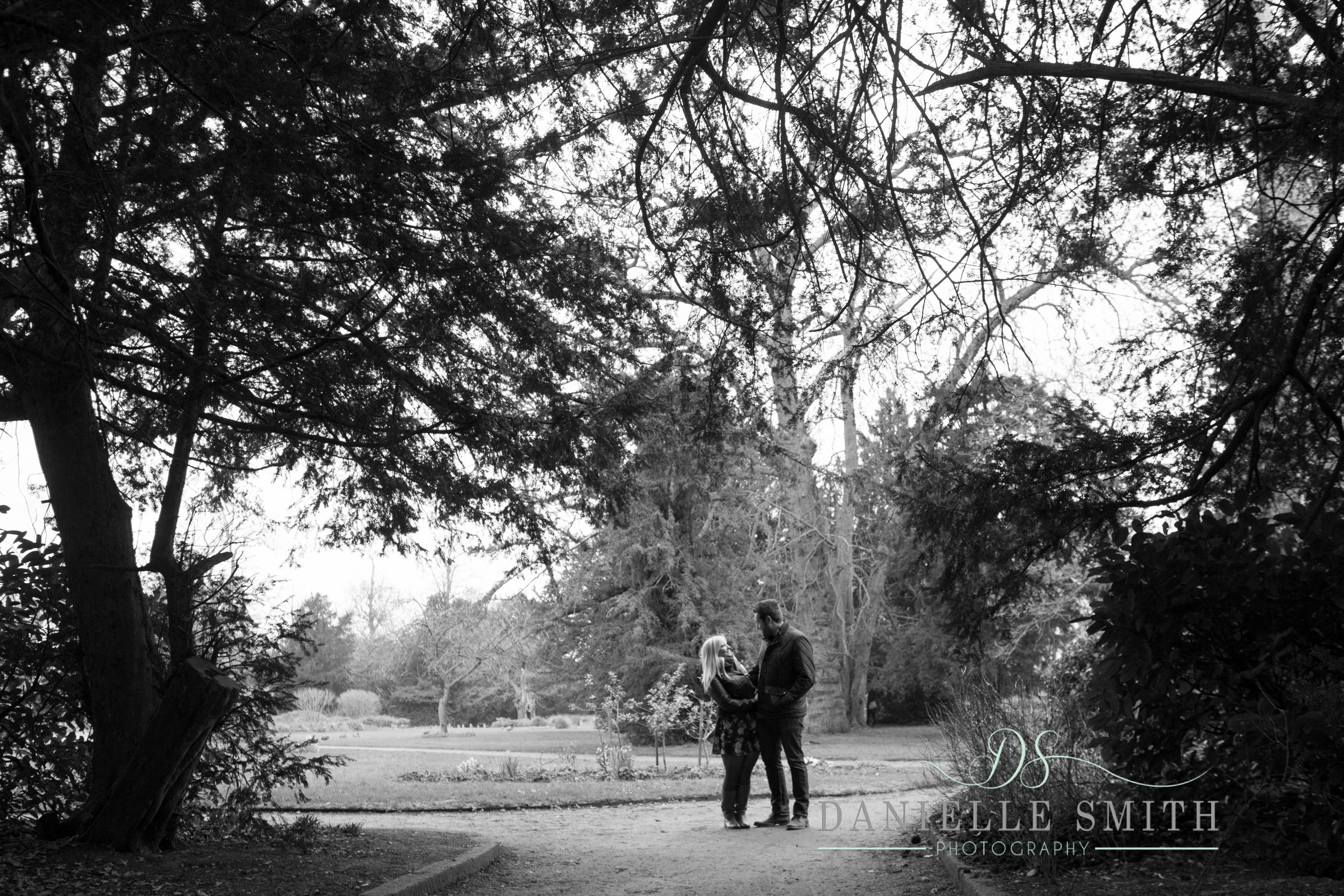 couple standing together Hylands park