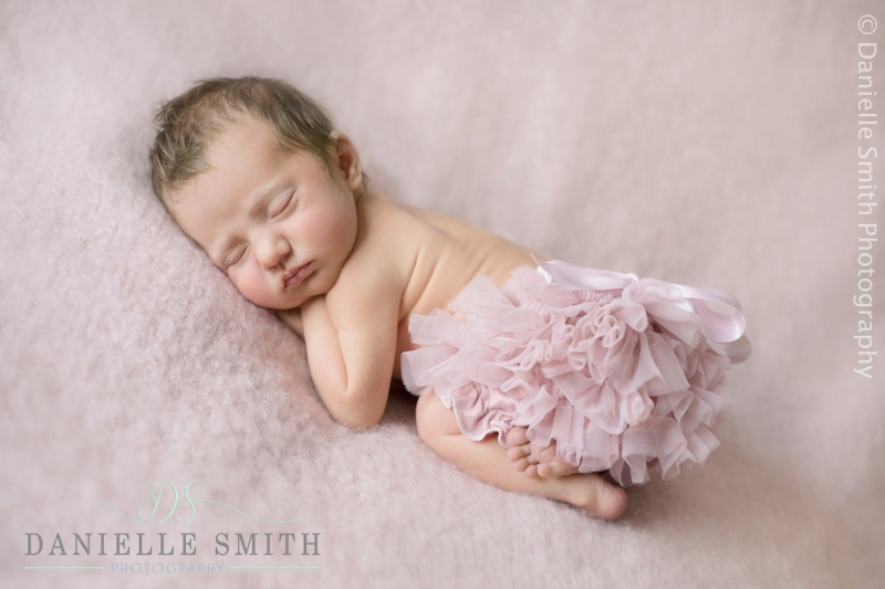newborn photography wickford 5.jpg