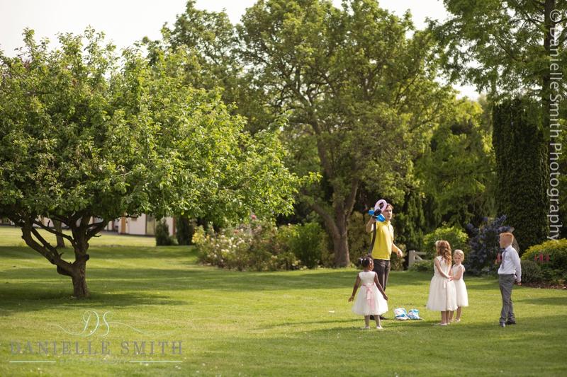 childrens entertainer at wedding