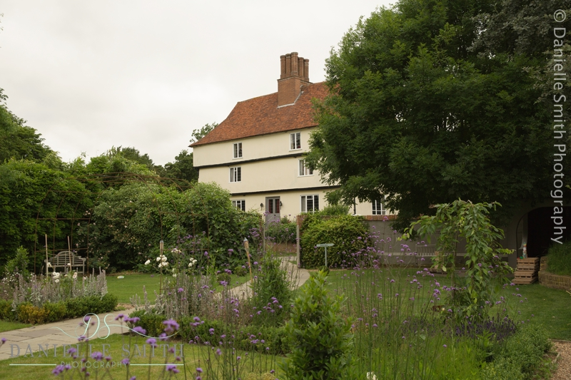 houchins farmhouse from outside