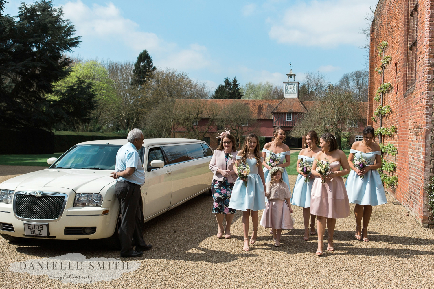 bridesmaids arriving at the venue - spring pastel coloured wedding