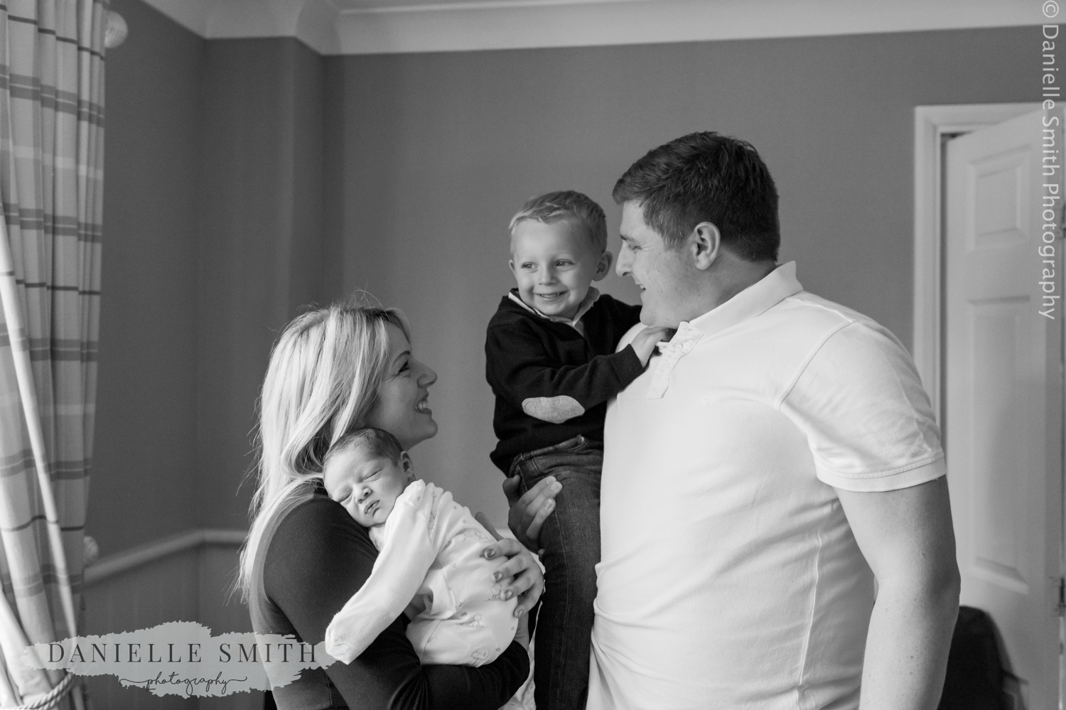 family with newborn - lifestyle newborn photography chelmsford