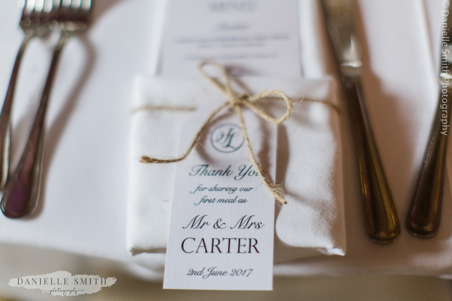 name setting at wedding