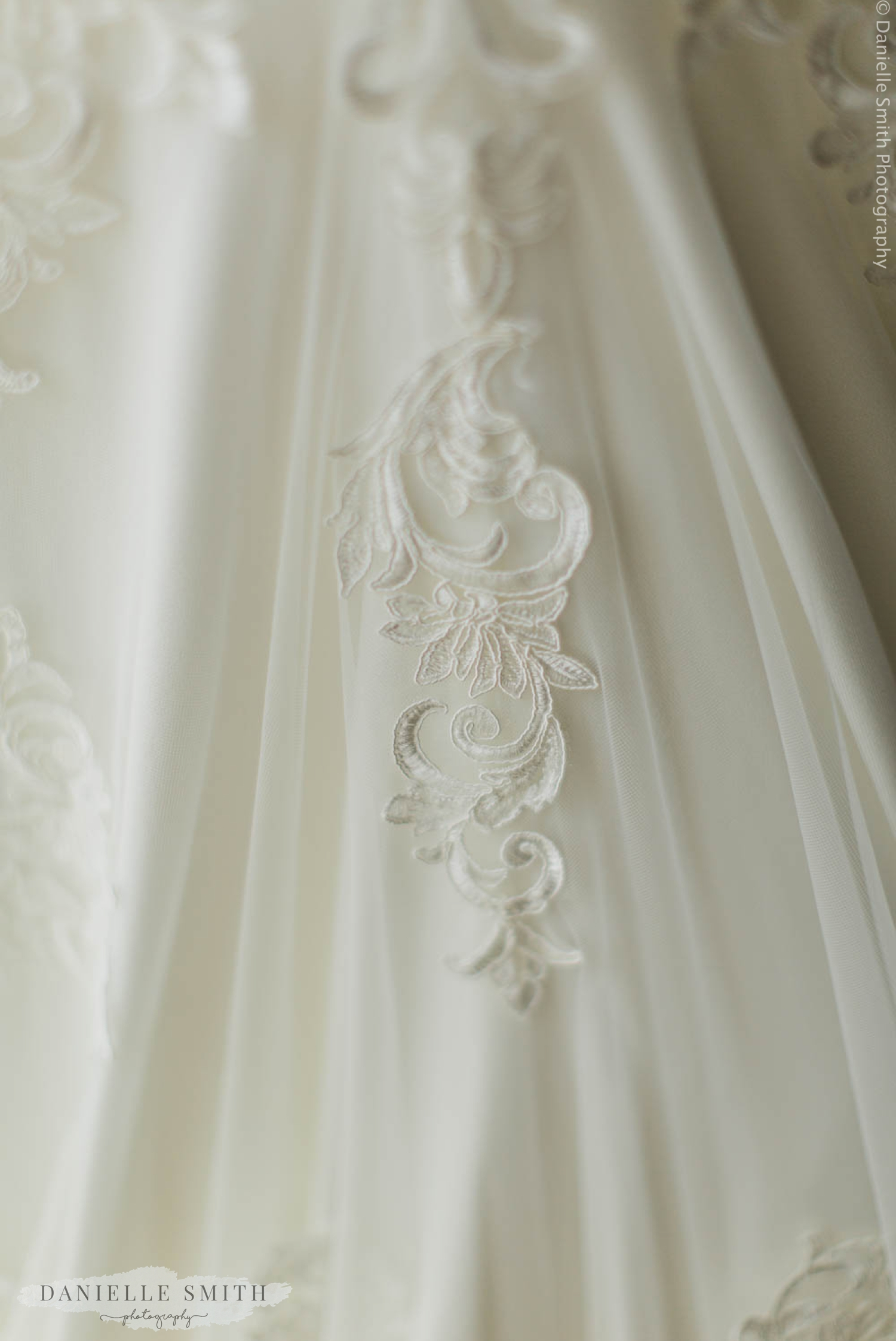 lace detail on wedding dress