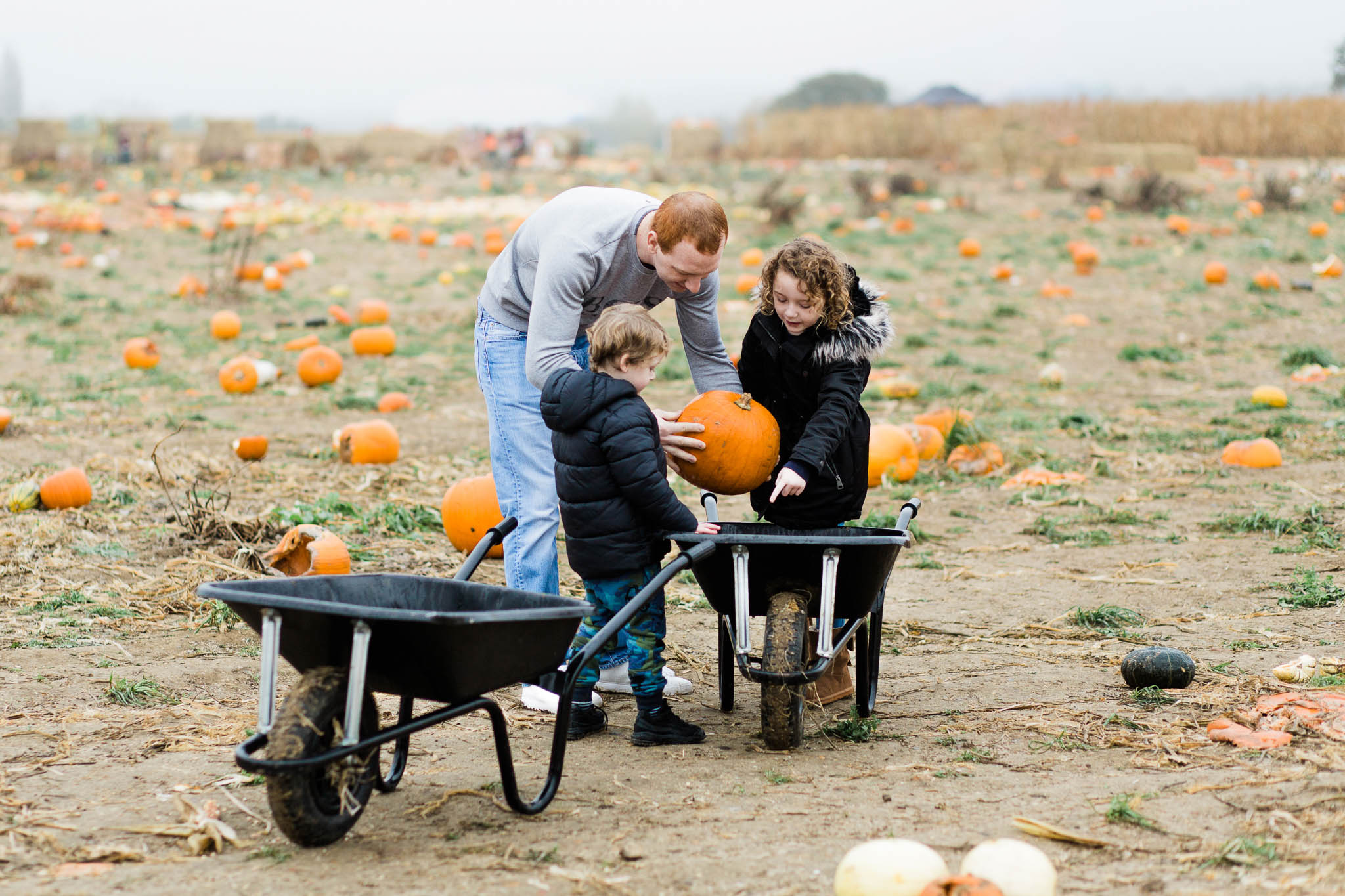 family photography at pumpkin patch