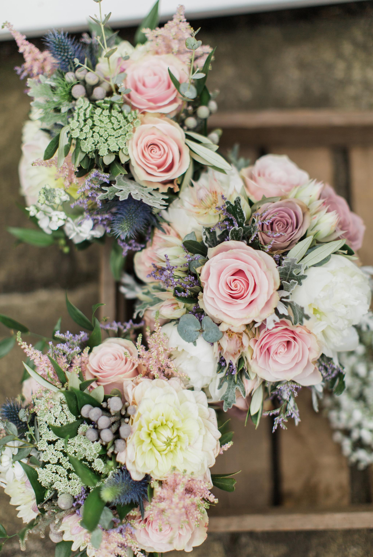 pastel colour wedding bouquets
