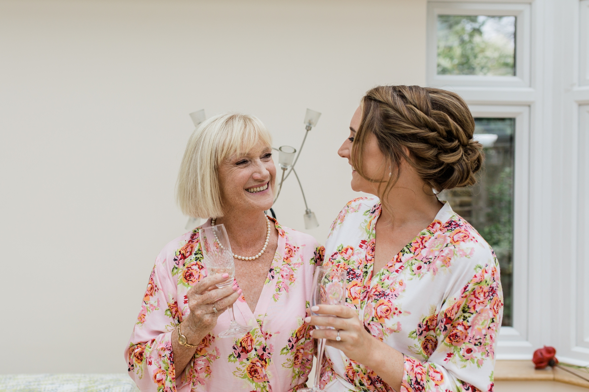 bride and her mum during morning preparations
