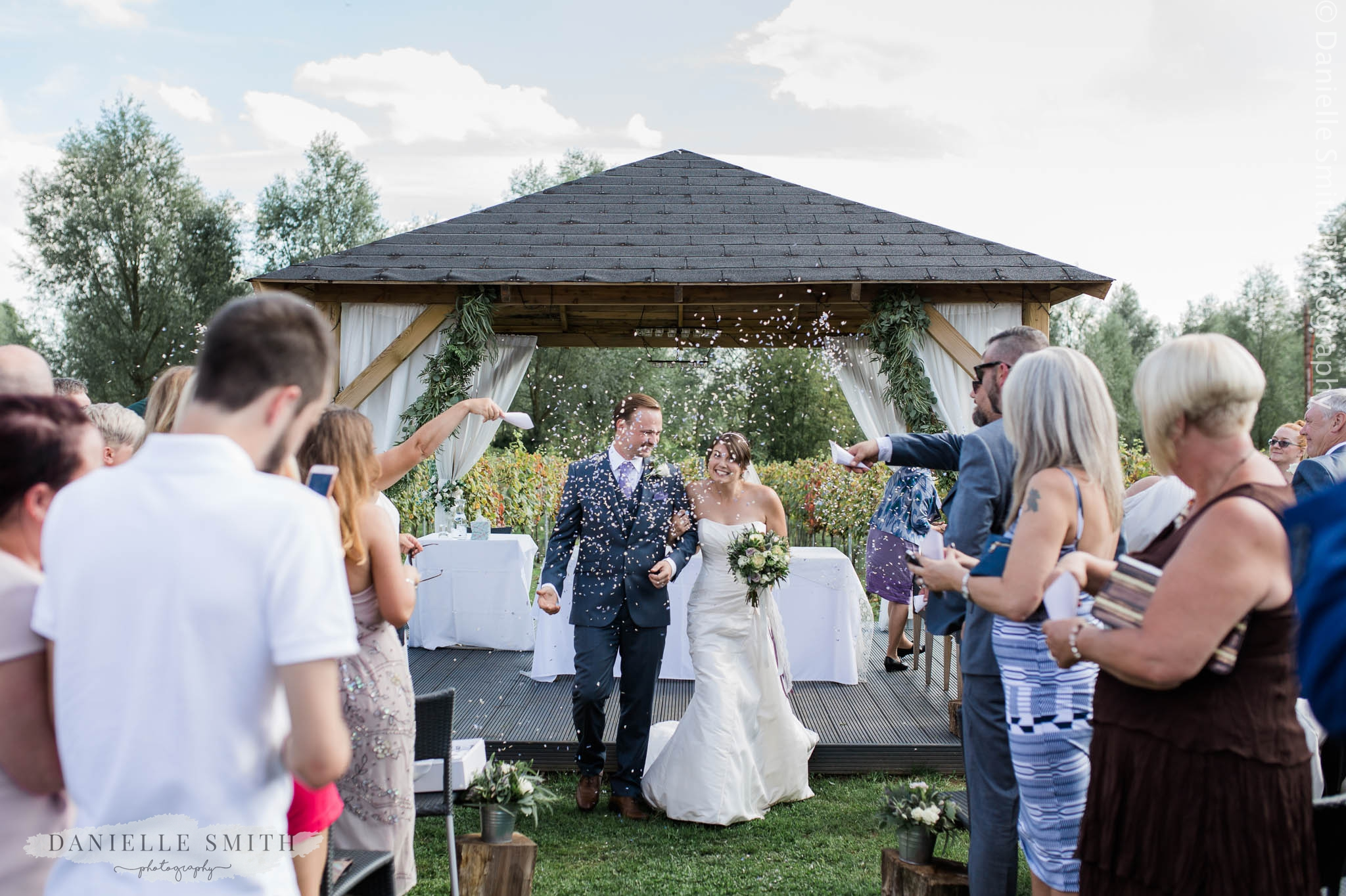 confetti photo at west street vineyard