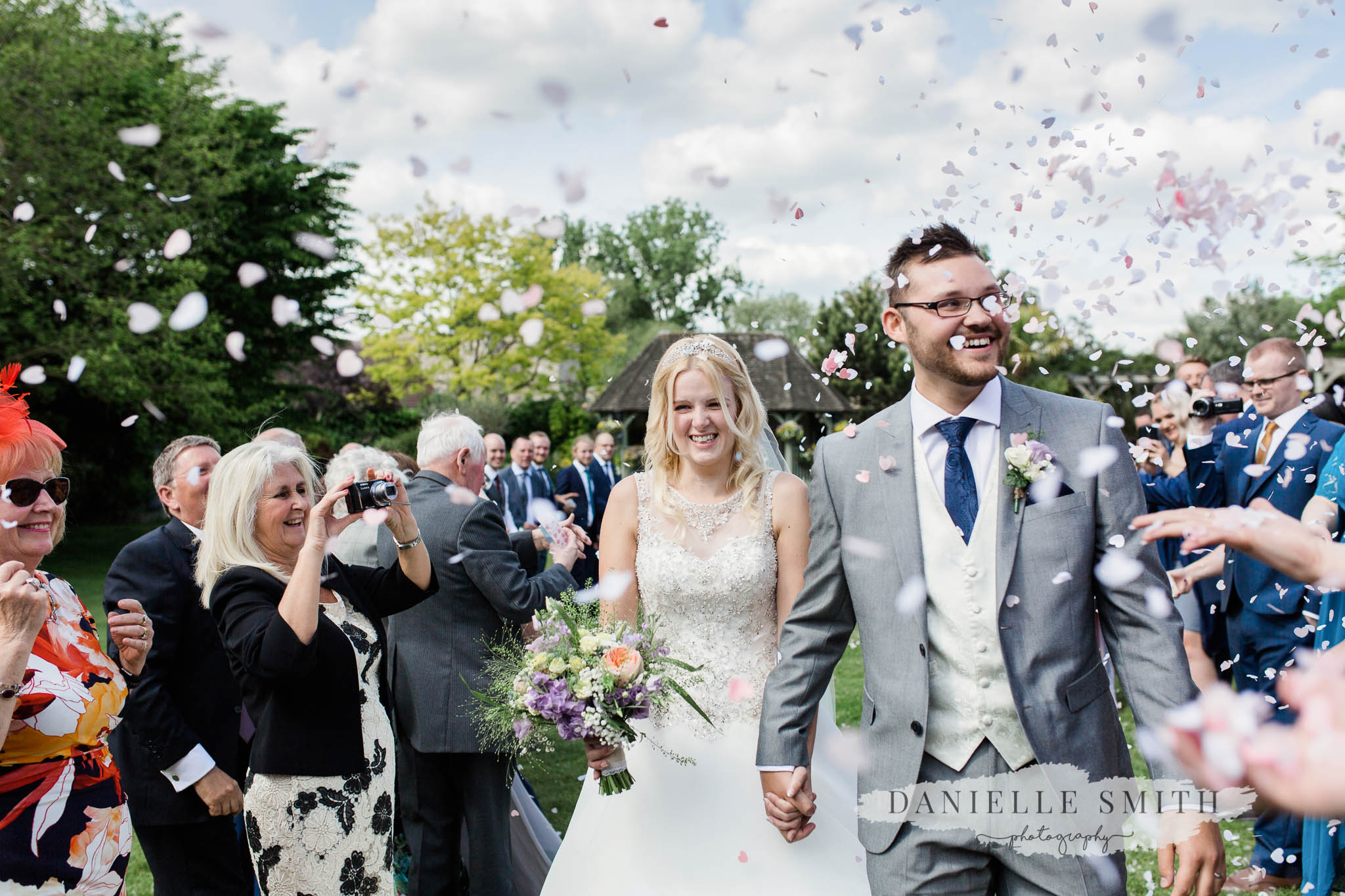 confetti photo cooling castle - wedding photographer rochester