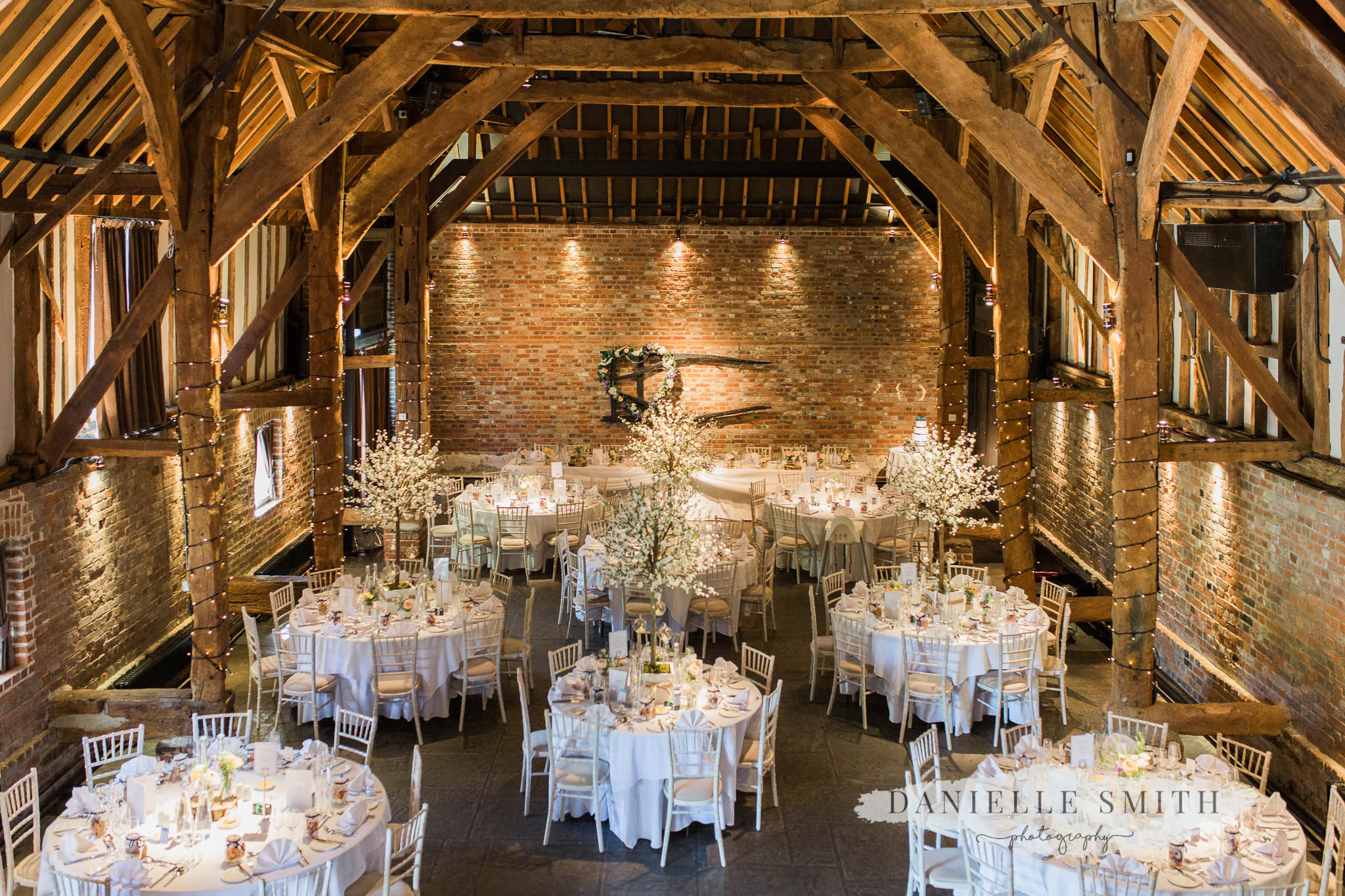reception barn at cooling castle