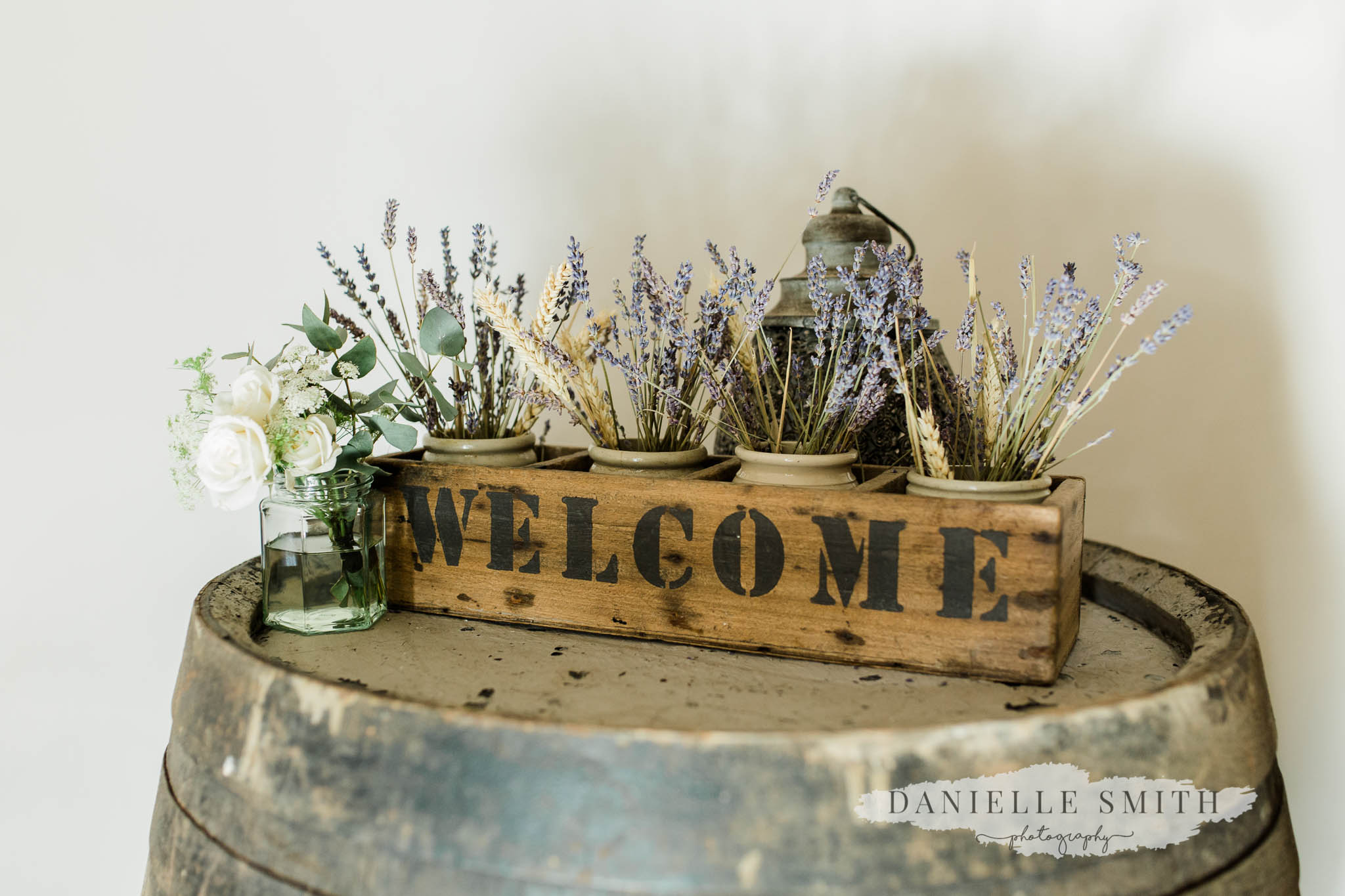 welcome sign at moreves barn