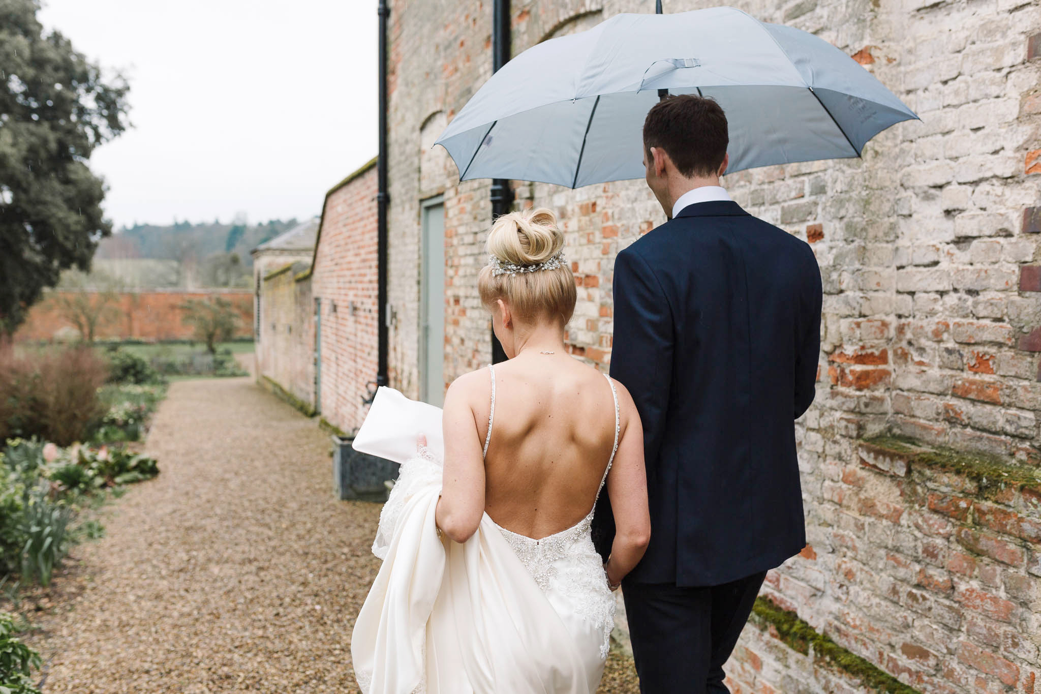 wedding photo with umbrella