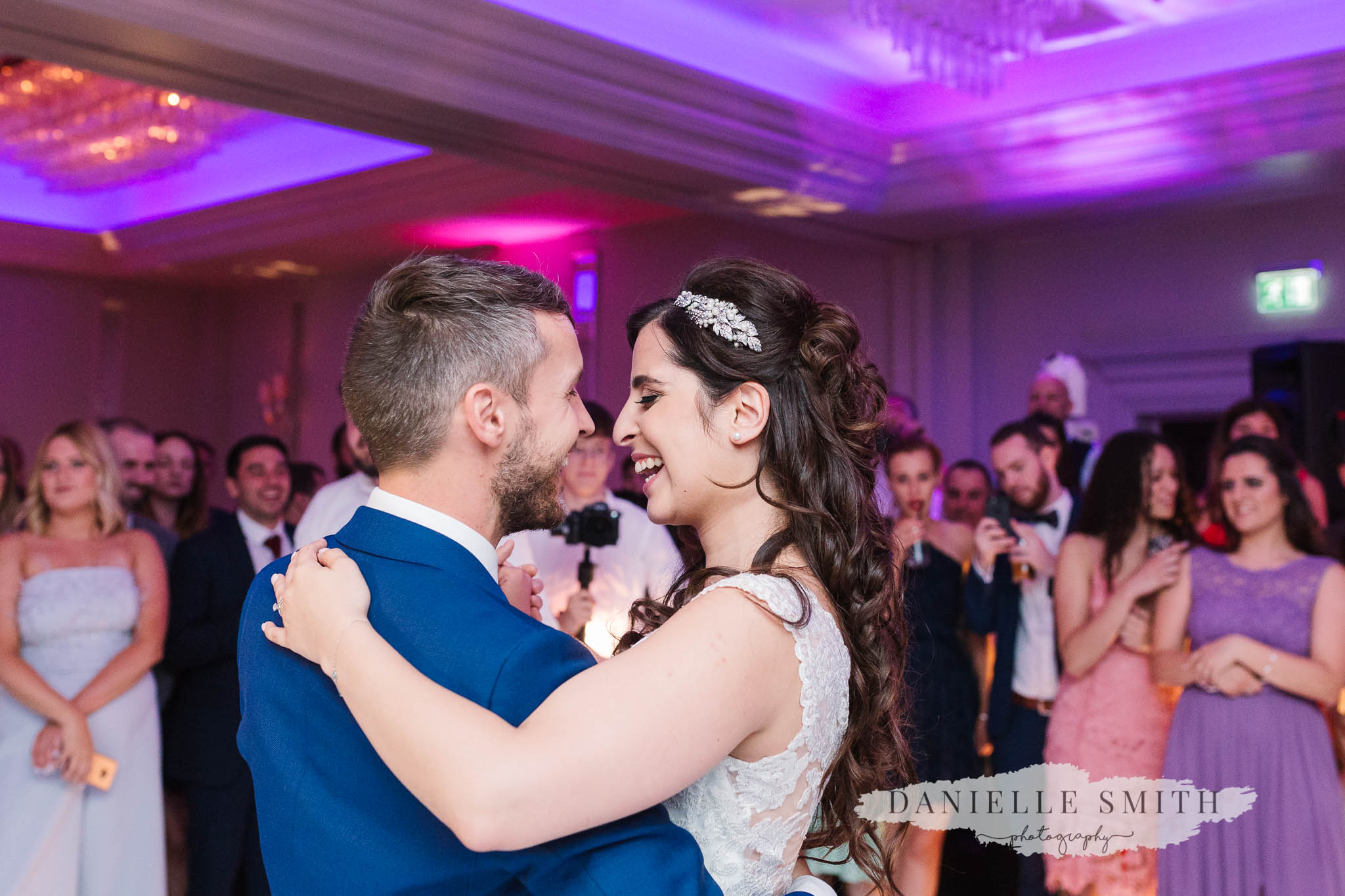 bride and groom first dance at turkish wedding