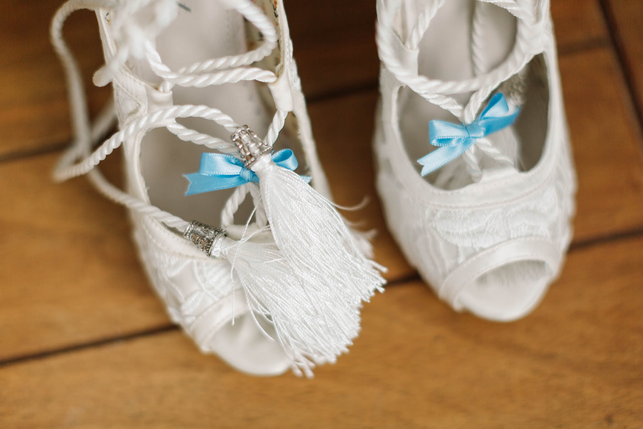 wedding shoes with rope laces