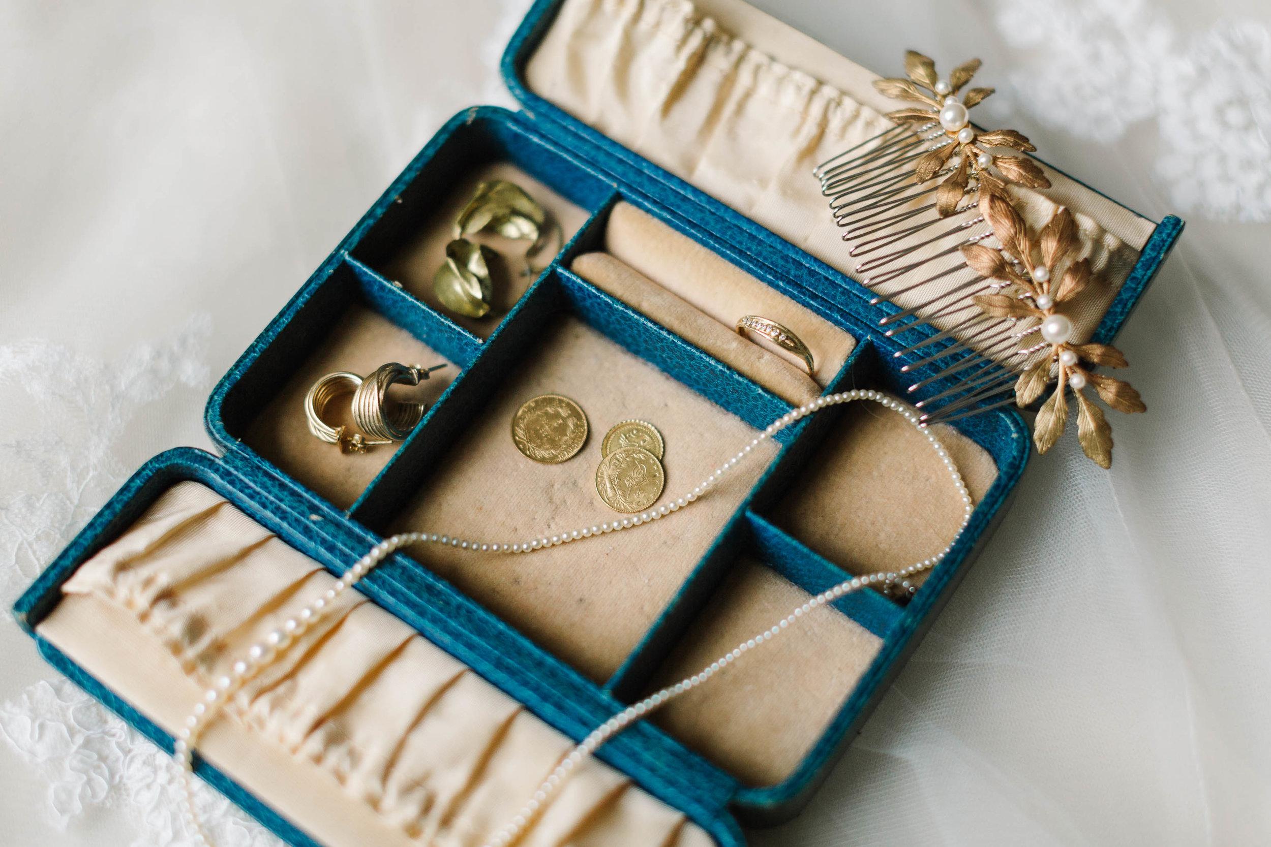 brides vintage jewellery box