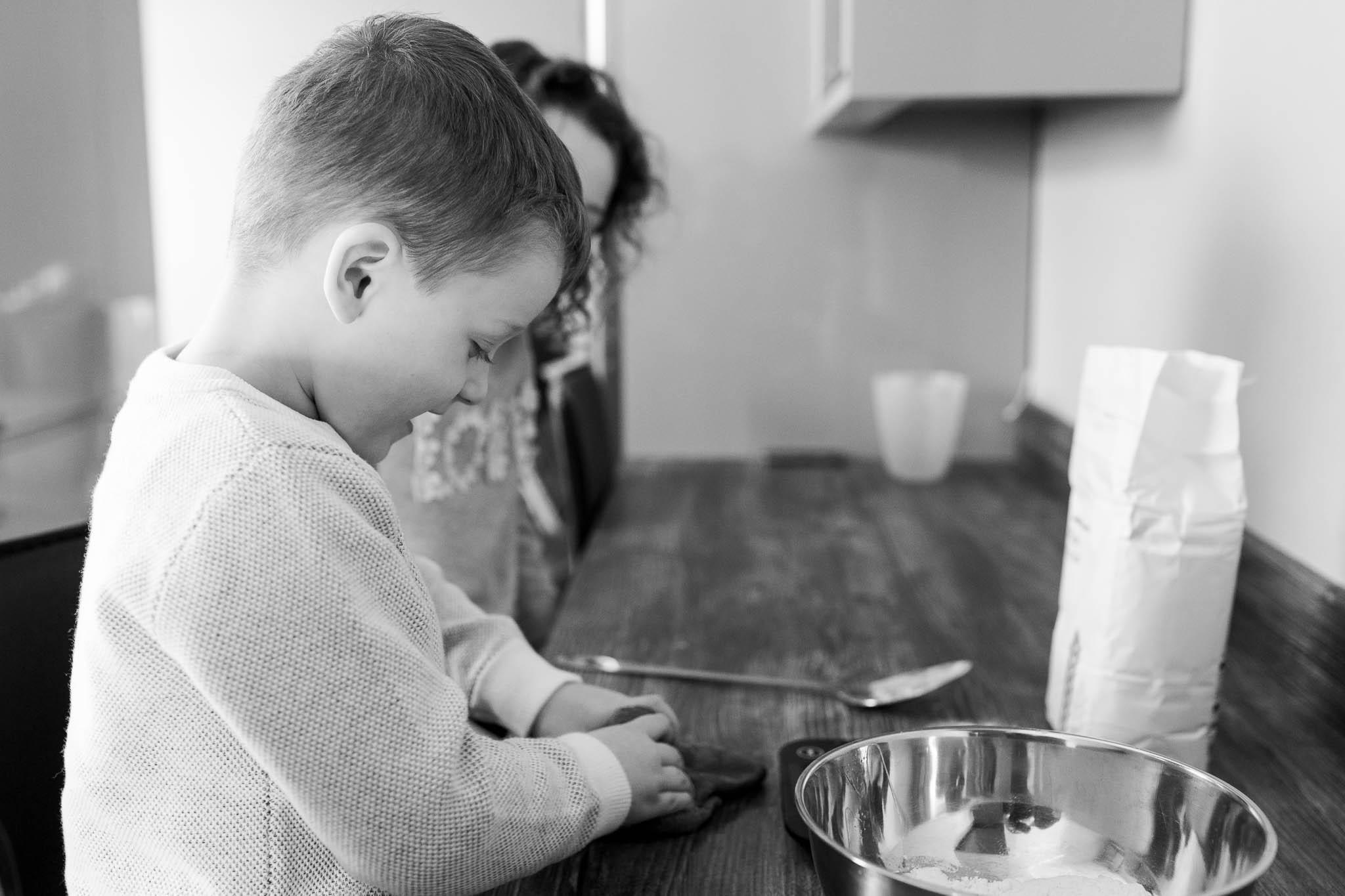 kids making pancakes at home