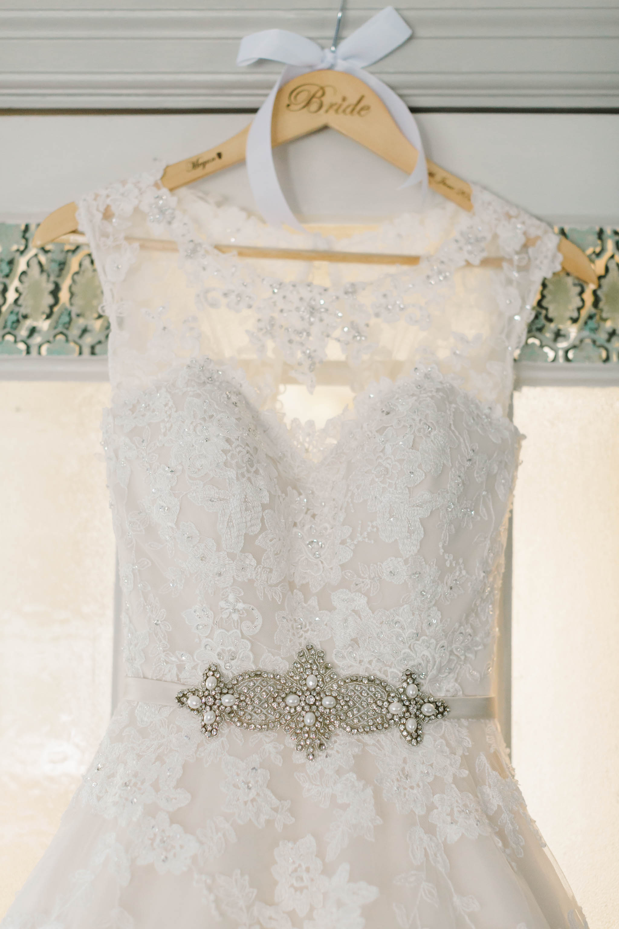 lace wedding dress with vintage detail