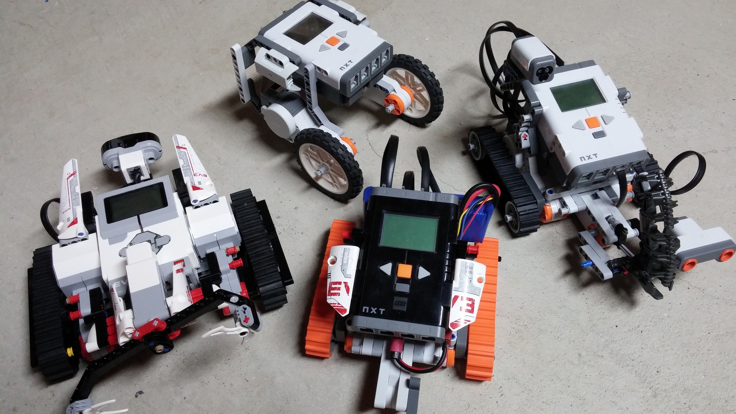 Mindstorms EV3 and NXTs :)