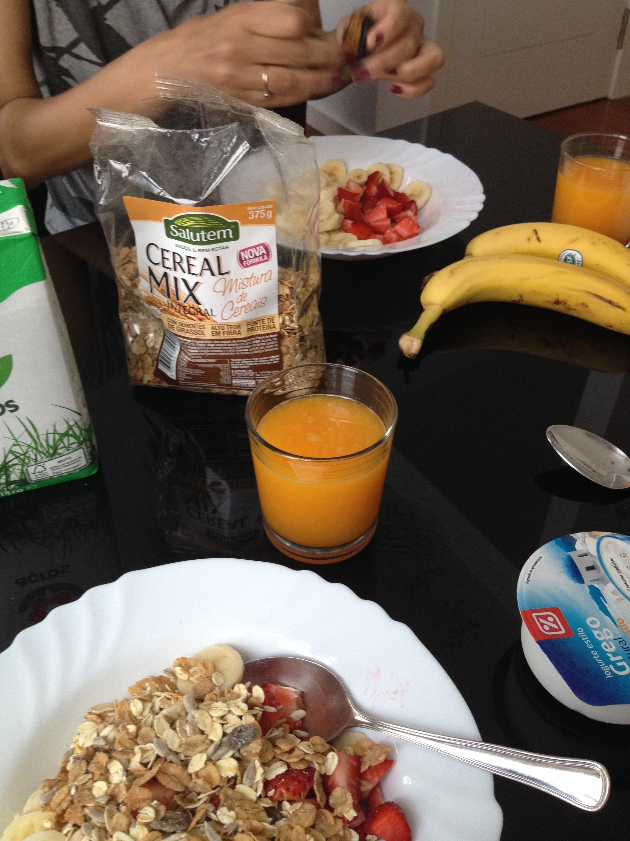Note the requisite breakfast banana.