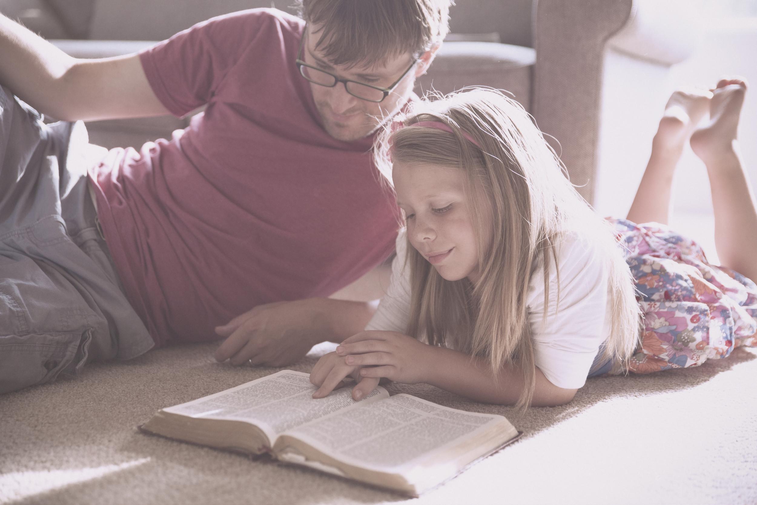 24965_Family_Bible_Study.jpg