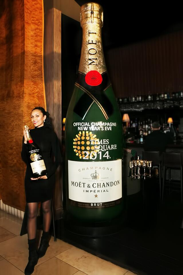 Moët-Chandon Times Square New-Years-Eve 2014.jpeg