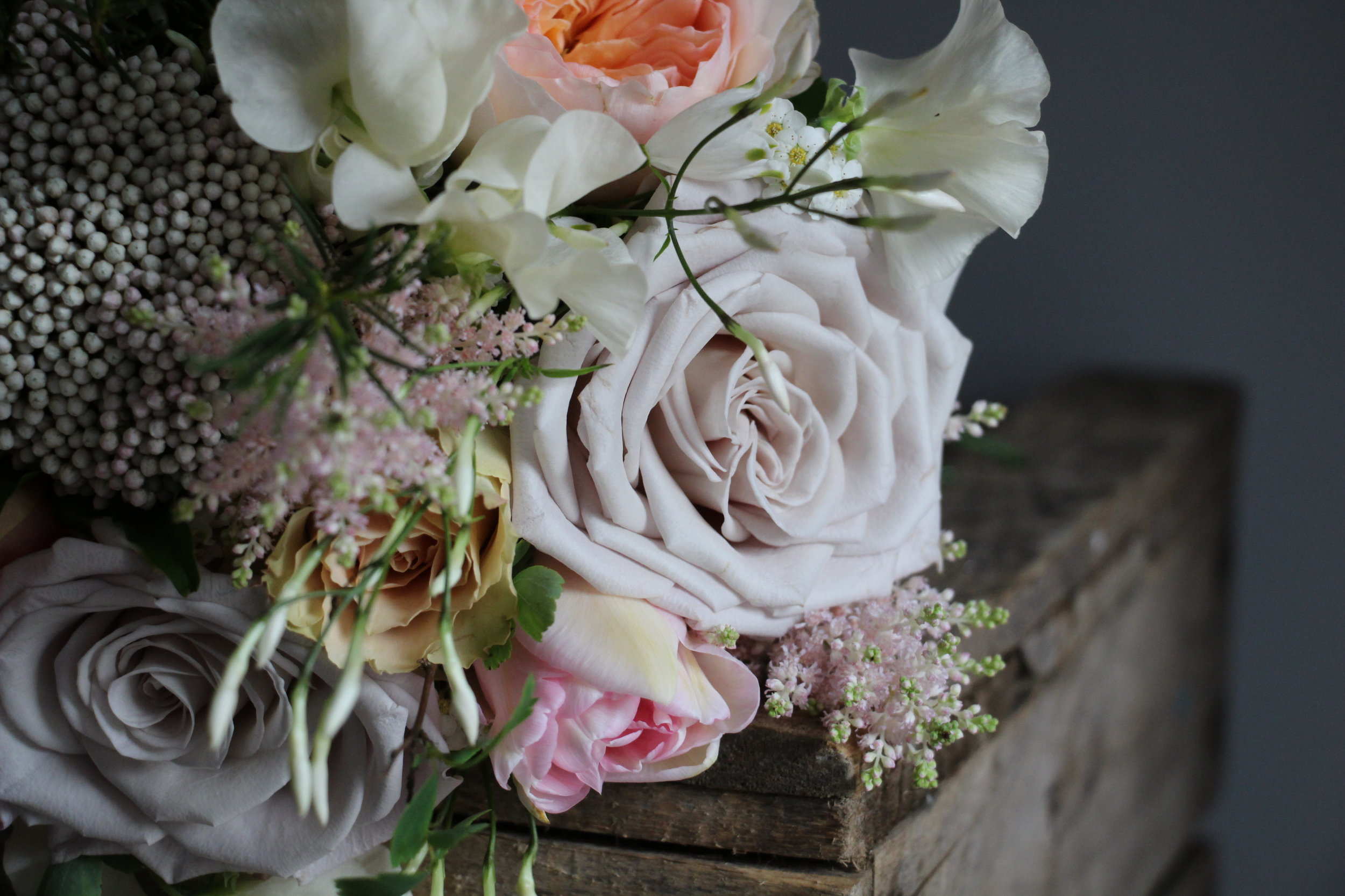 Mentha Rose stealing the show in this particular bridesmaids bouquet.
