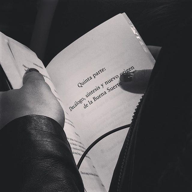 """""""La buena suerte"""" Alex Rovira.  Primera y única regla de la buena suerte:  No existe, así que no le hagas el más mínimo caso.  #fuckluck #lucky #buenasnochesybuenasuerte #happy #igers #booklover #booktuber #bookaddict #bookstagram #bookworm #bookstore #instagram #love #buenasuerte #libros #nice #cute #people #instagood #photooftheday #style #streetart #look #reader"""