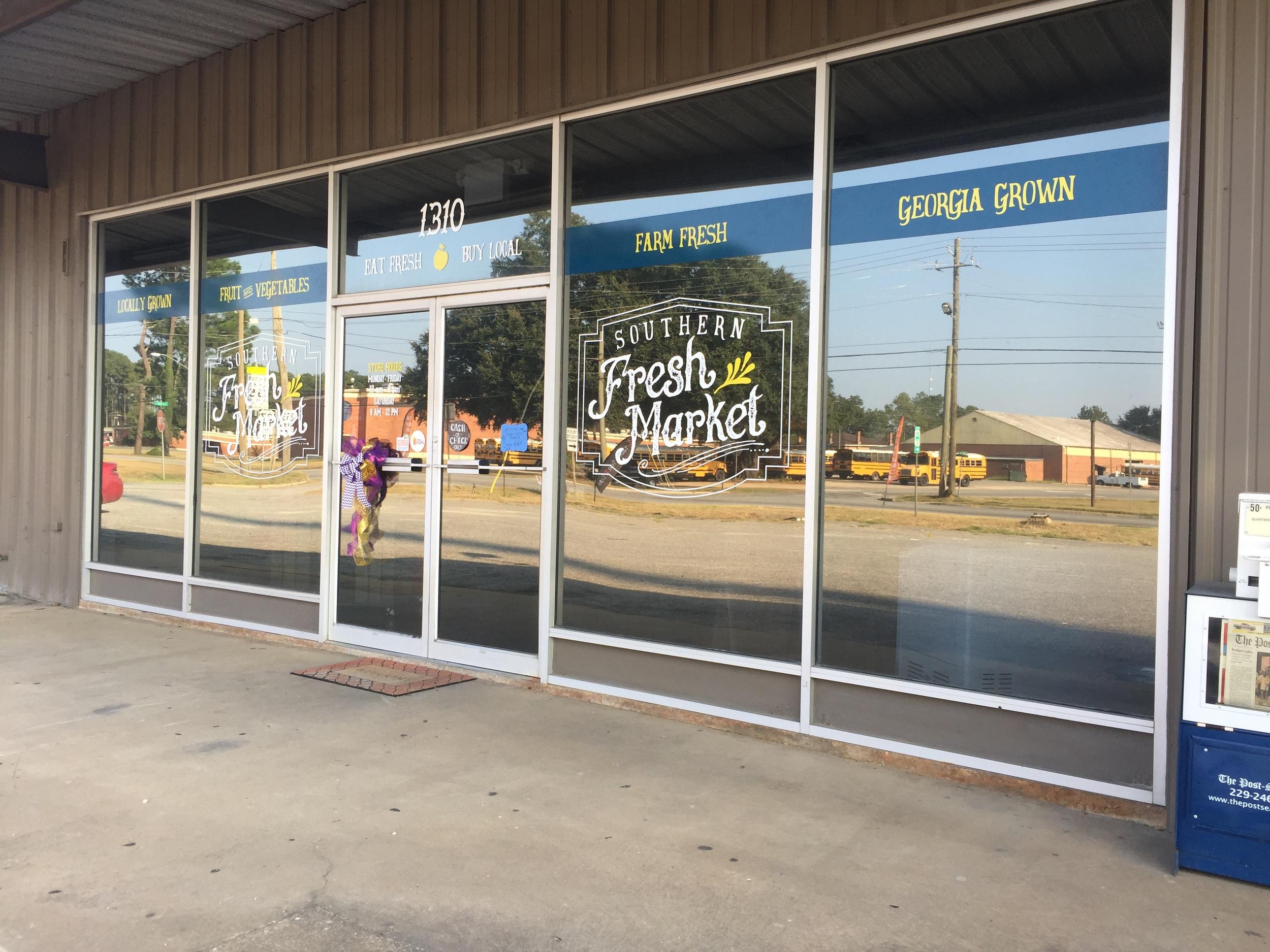 Southern Fresh Market-Design, Print, Installation