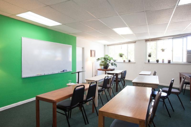classroom_0382.jpg