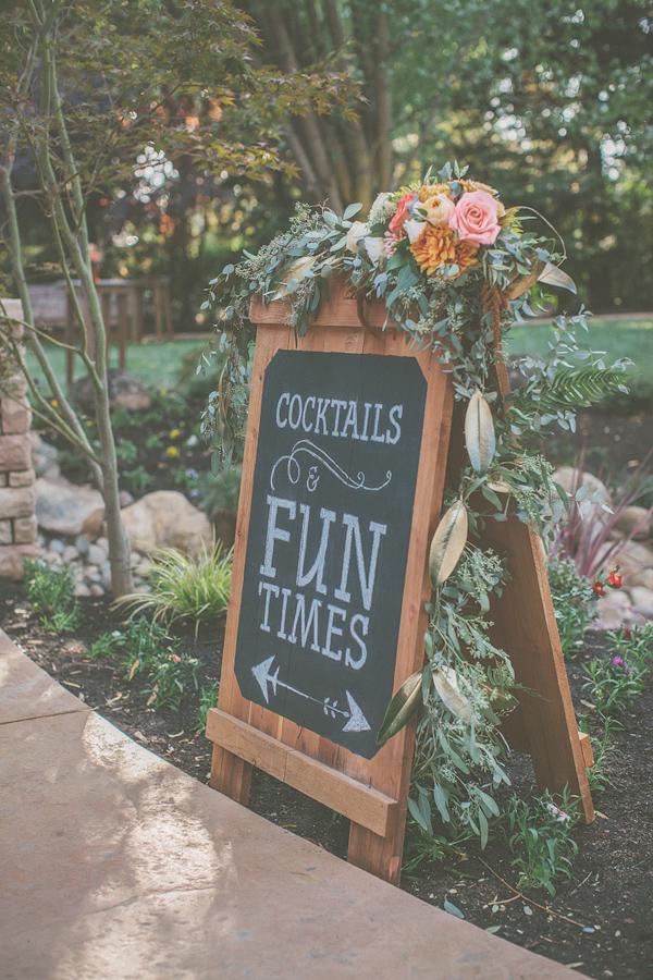 autumnal-backyard-wedding-in-Granite-Bay-California-with-photos-by-Kris-Holland-30.jpg