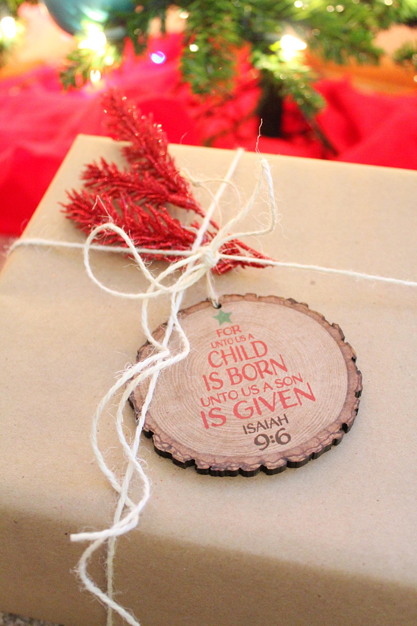 jesus-centered-gift-wrap.jpg