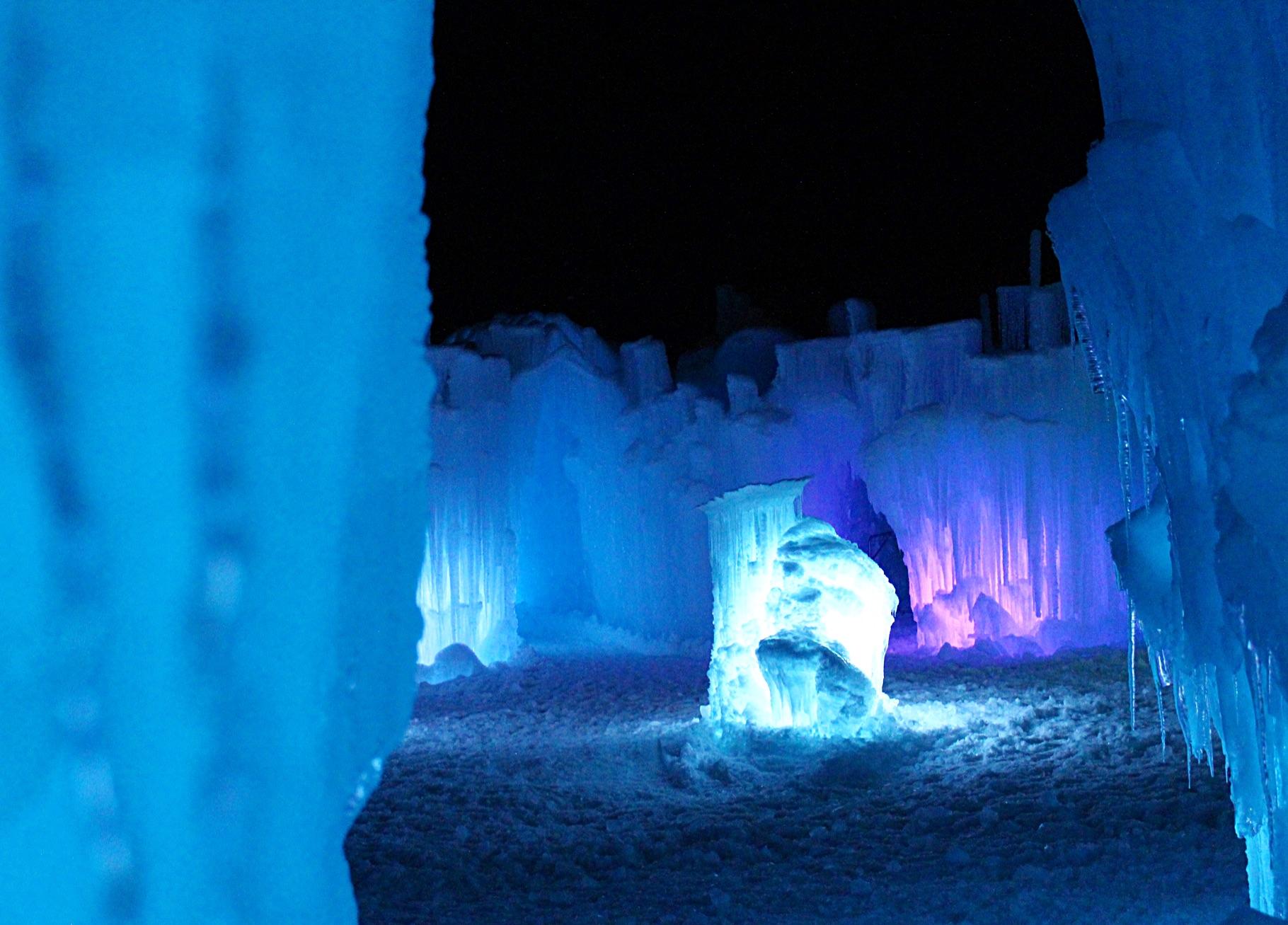 ice-castle-dillon-colorado.jpg
